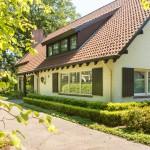 gerenoveerde-tuin-bosrijk-waalre-parkachtig-koi-vijver-terras-1