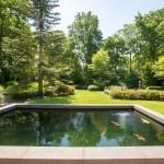 gerenoveerde-tuin-bosrijk-waalre-parkachtig-koi-vijver-terras-2
