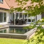 gerenoveerde-tuin-bosrijk-waalre-parkachtig-koi-vijver-terras-3