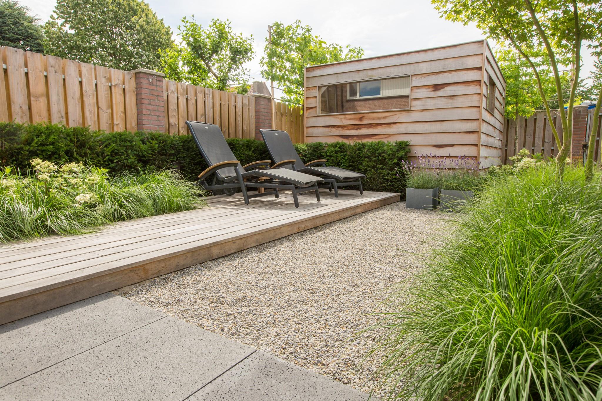 Onderhoudsvriendelijke moderne tuin renders for Moderne tuin